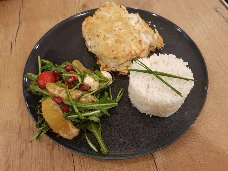 Mandelkabeljau mit Reis und Ricks` Salat